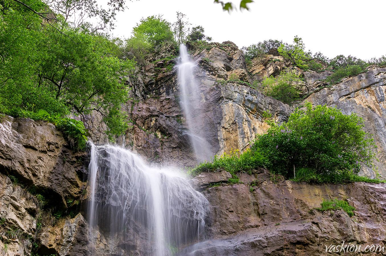 Skaklia Waterfall